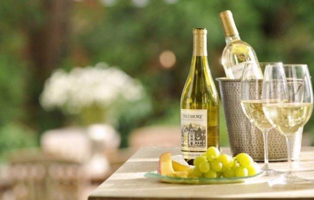 С чем пьют вино — обзор самых лучших закусок