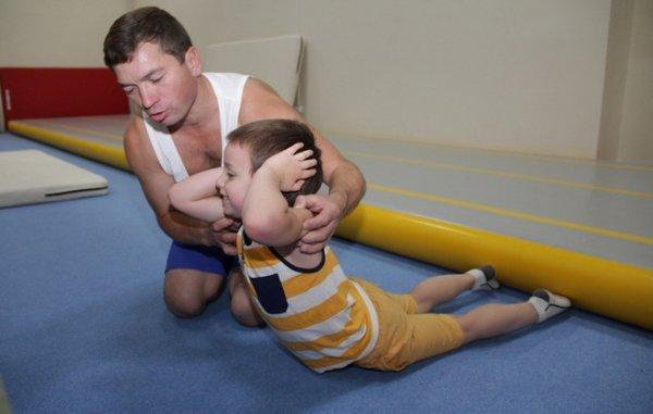 Утренняя зарядка для детей. Комплекс спортивных упражнений ... Утренняя Гимнастика