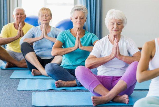 Фитнес для пожилых в домашних условиях видео мамадышский дом престарелых