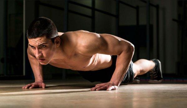 Какие мышцы работают при отжимании. Отжимания на бицепс, трицепс и плечи.