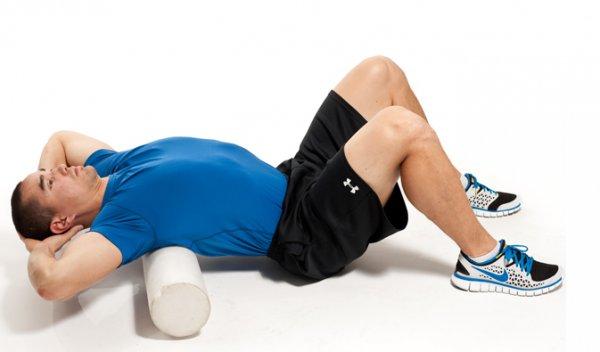 Упражнения с валиком для спины: 10 упражнений с ...