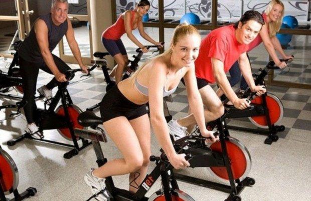Занятие на велотренажере