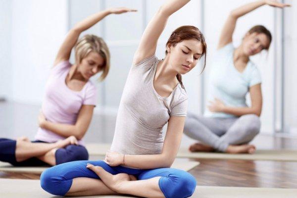 Йога для начинающих: видео уроки в домашних условиях
